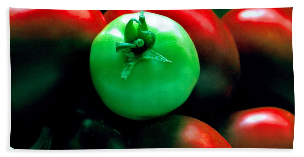 Tomato Bath Sheet featuring the photograph Standing Out In A Crowd by Rory Sagner