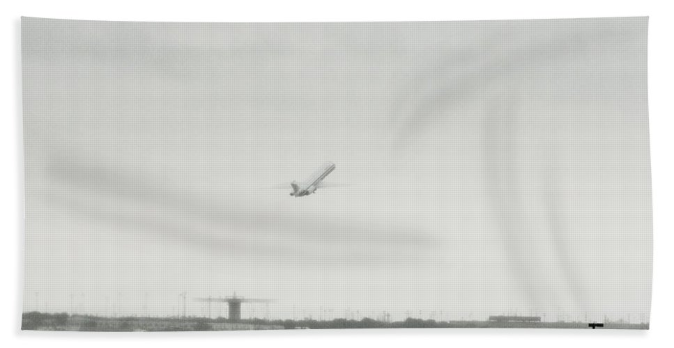 Aircraft Bath Sheet featuring the photograph Steep Incline by Douglas Barnard