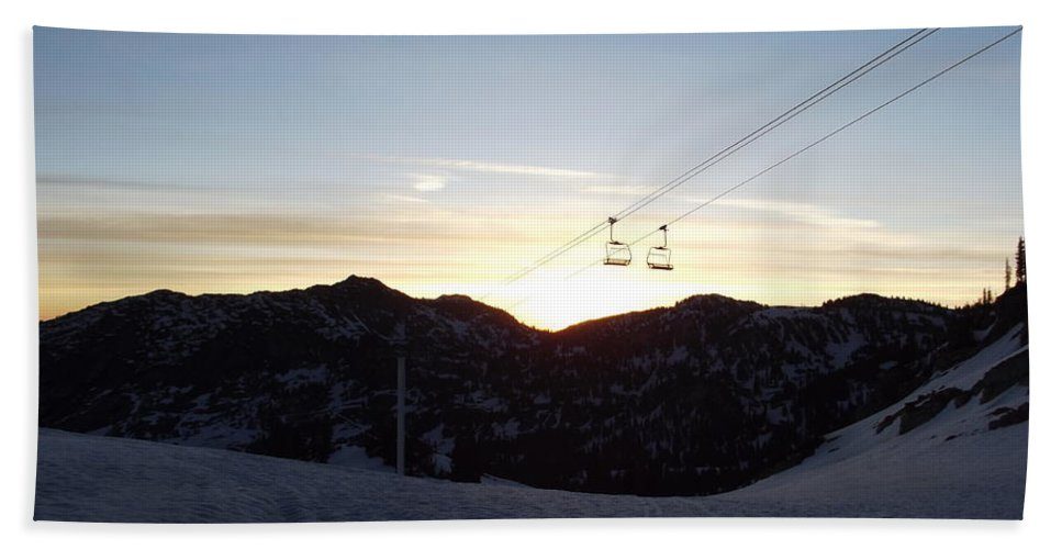 Sunrise Hand Towel featuring the photograph Sugarloaf Sunrise by Michael Cuozzo