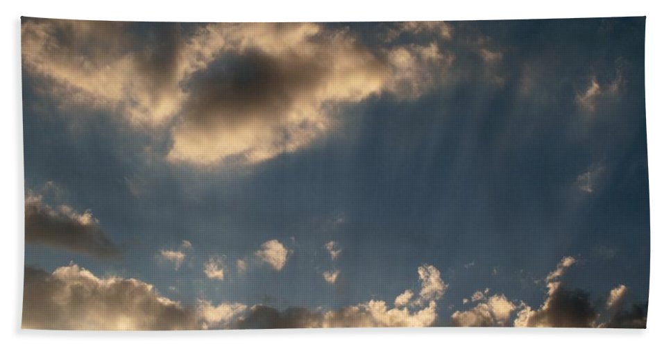 Clods Hand Towel featuring the photograph Sunbeams From Heaven by Michele Nelson