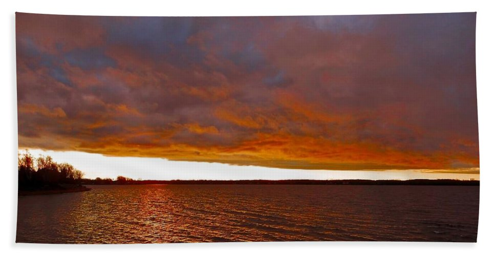 North America Hand Towel featuring the photograph Sunrise At Ile-bizard ... by Juergen Weiss