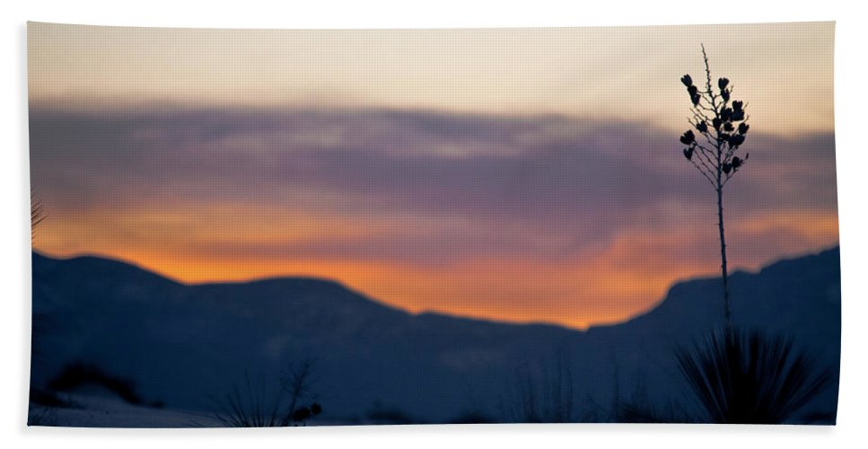 White Sands National Monument Hand Towel featuring the photograph Sunset At White Sands by Ralf Kaiser