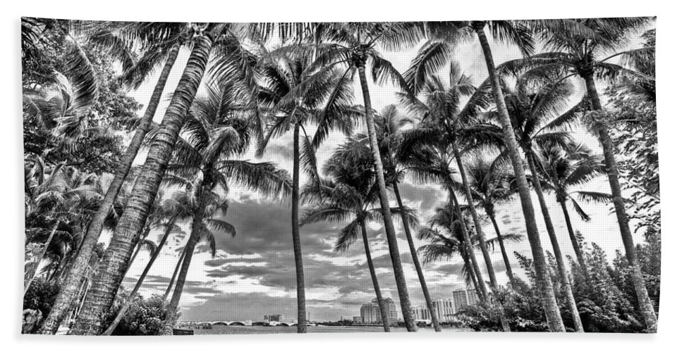 Boats Bath Sheet featuring the photograph Sunset Grove At Palm Beach by Debra and Dave Vanderlaan