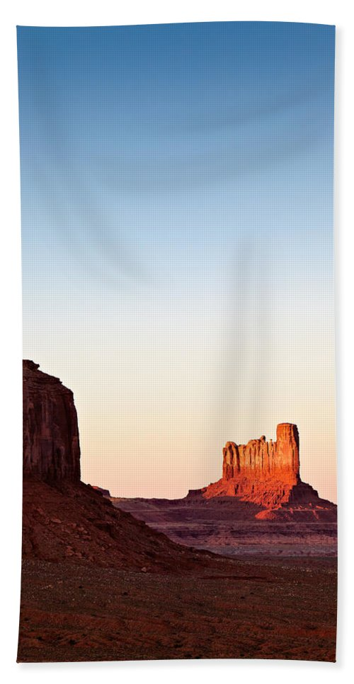 Monument Valley Bath Sheet featuring the photograph Sunset In The Valley by Dave Bowman