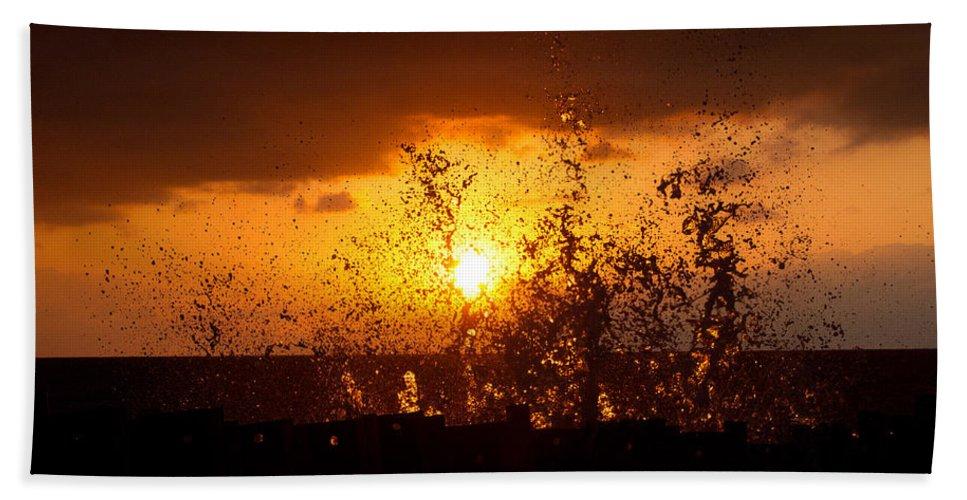 Sun Bath Sheet featuring the photograph Sunset Splash 2 by Bill Lindsay