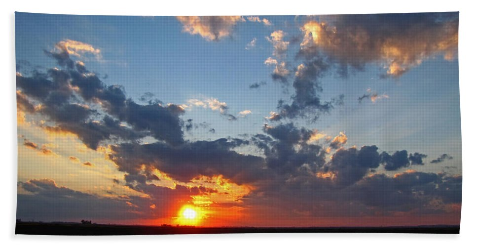 Landscape Bath Sheet featuring the photograph Sunset Supreem by Debbie Portwood