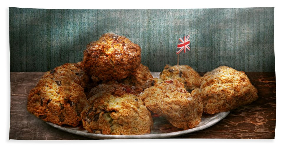 Scone Bath Sheet featuring the photograph Sweet - Scone - Scones Anyone by Mike Savad