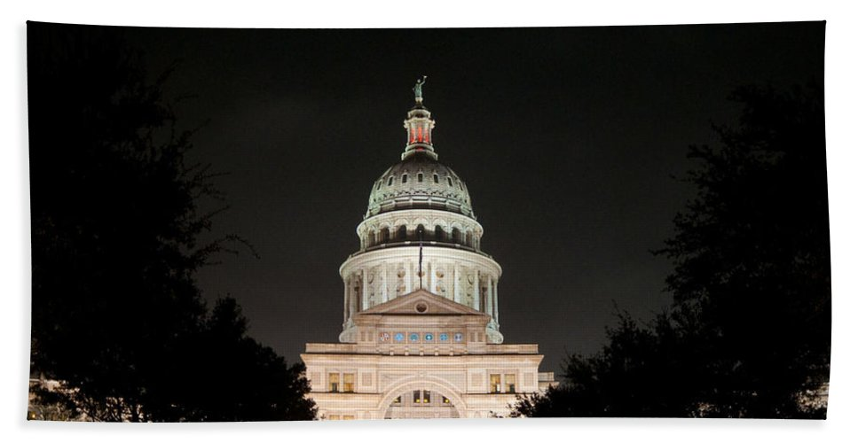 Austin Bath Sheet featuring the photograph Texas Capitol Building At Night - Horz by Sean Wray