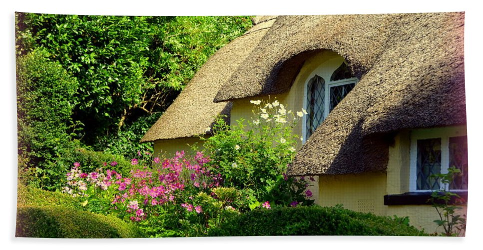 Selworthy Hand Towel featuring the photograph Thatched Cottage With Pink Flowers by Carla Parris