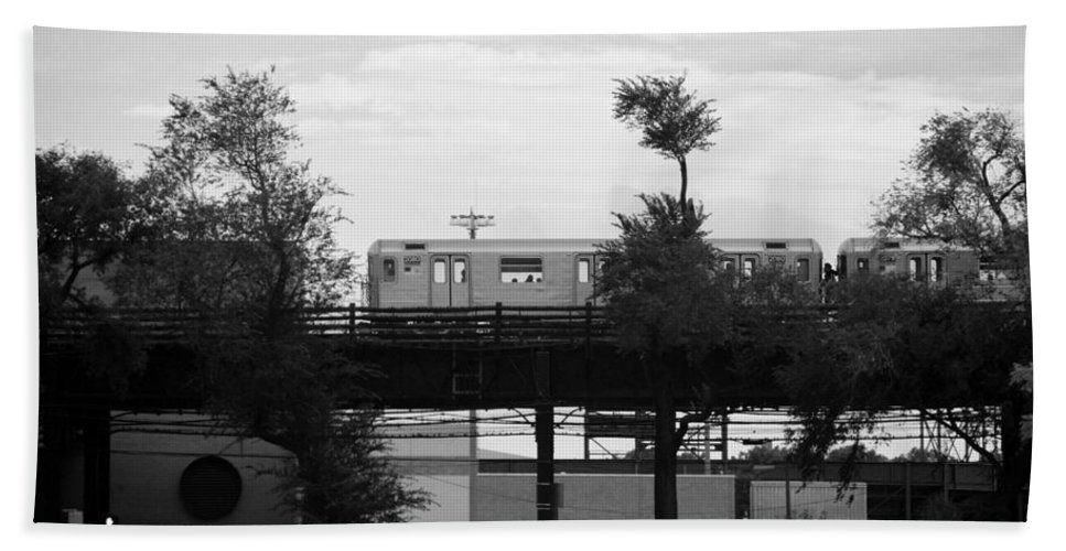 Black And White Hand Towel featuring the photograph The 7 Line In Black And White by Rob Hans