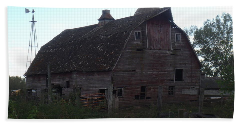 Barn Hand Towel featuring the photograph The Barn IIi by Bonfire Photography