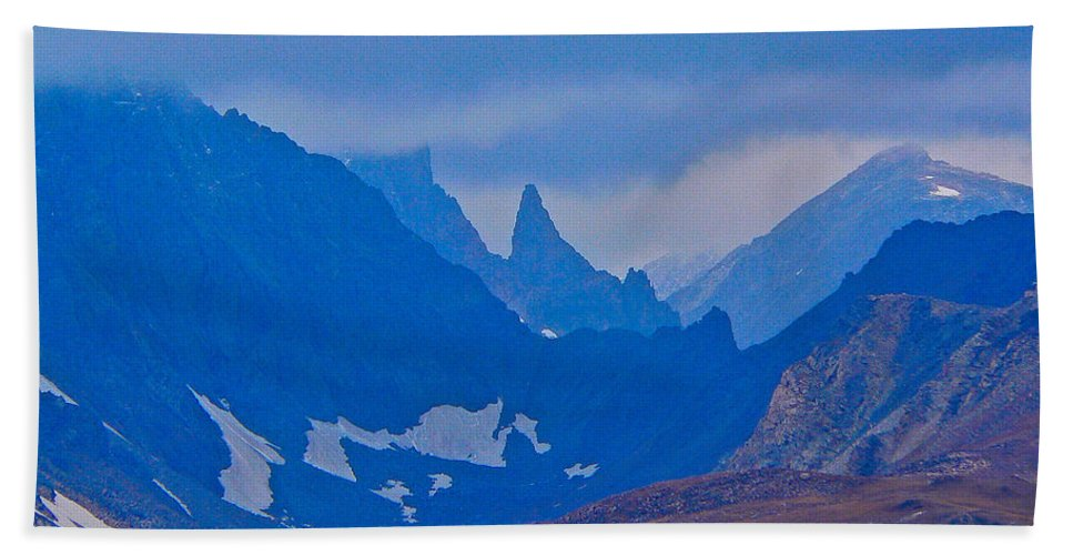 Bear Tooth Highway Bath Sheet featuring the photograph The Bear's Tooth by Eric Tressler