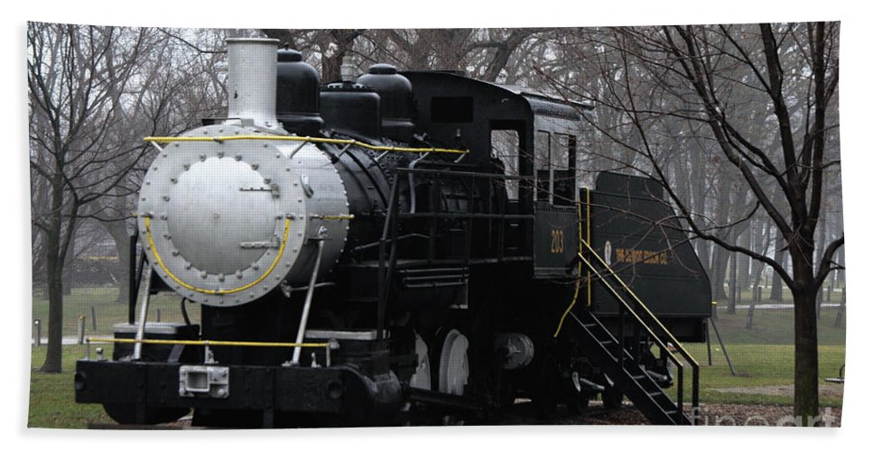 Black Bath Sheet featuring the photograph The Detroit Edison Co. 203 by Ronald Grogan