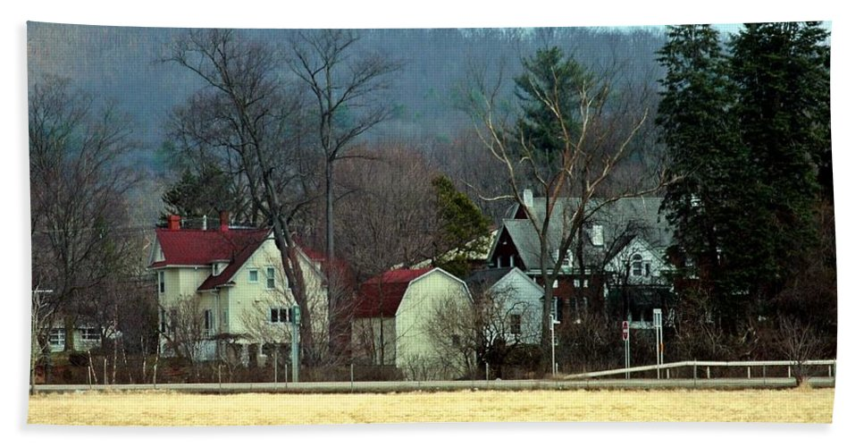New York Hand Towel featuring the photograph The Edge Of Town by Christian Mattison