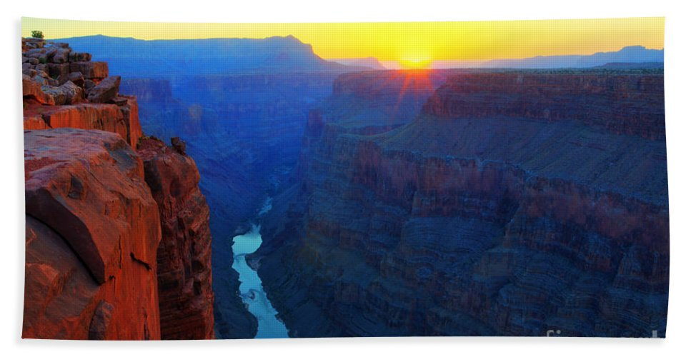 Grand Canyon Bath Sheet featuring the photograph The Grand Canyon Solitude At Toroweap by Bob Christopher