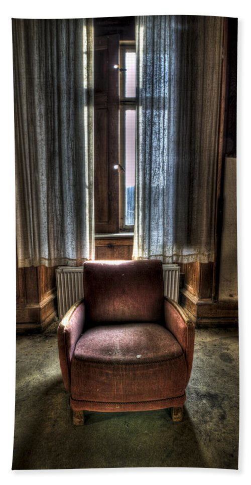 Abandon Bath Sheet featuring the photograph The Lone Seat by Nathan Wright