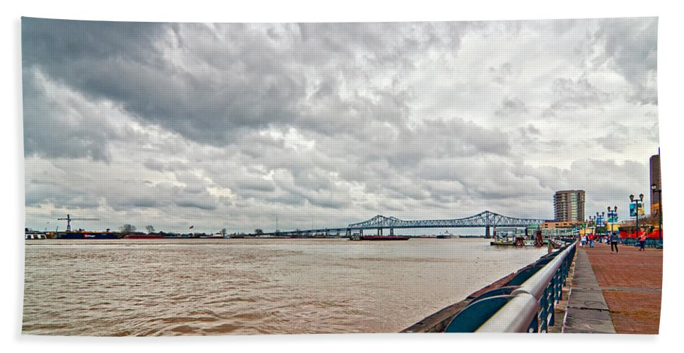 Mississippi River Bath Sheet featuring the photograph The Mighty Miss by Steve Harrington