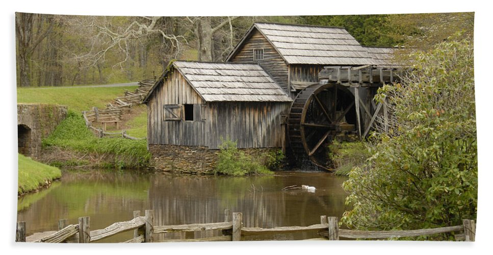 History Bath Towel featuring the photograph The Old Grist Mill by Cindy Manero