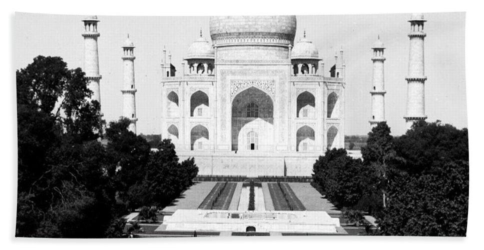 taj Mahal Bath Sheet featuring the photograph The Taj Mahal In Agra India - C 1906 by International Images