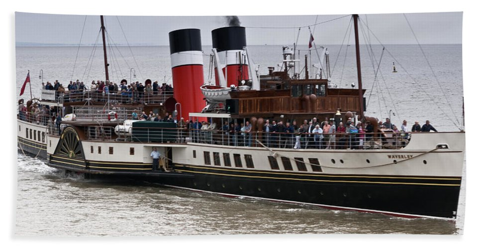 Waverley Paddle Steamer Bath Sheet featuring the photograph The Waverley Paddle Steamer by Steve Purnell