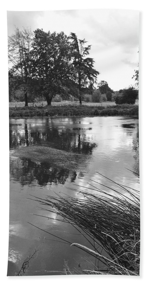 Burton On Trent Hand Towel featuring the photograph The Wind-swept River Trent At Stapenhill by Rod Johnson