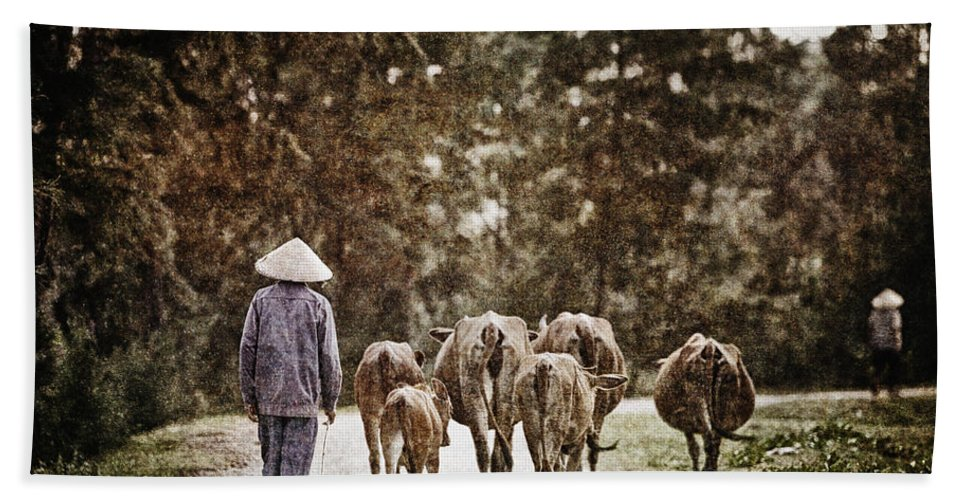 Vietnam Bath Sheet featuring the photograph They Walk Together by Skip Nall