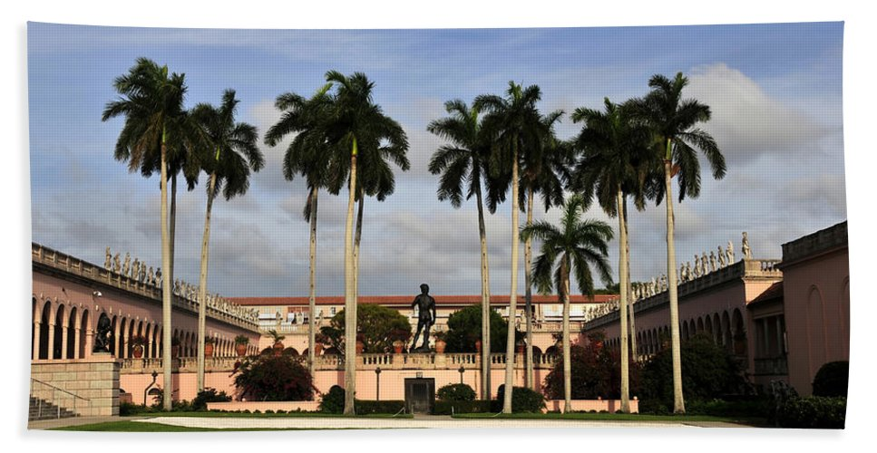 Fine Art Photography Hand Towel featuring the photograph Thirteen Palms by David Lee Thompson