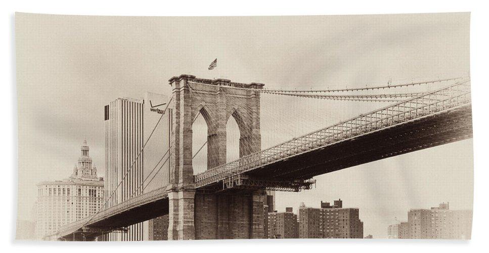 Brooklyn Bridge Bath Sheet featuring the photograph Timeless-brooklyn Bridge by Regina Geoghan