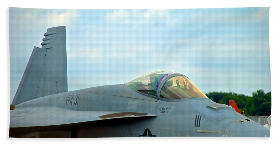 Vf-31 Tomcatters Hand Towel featuring the photograph Tomcatters On Tarmac 2 by Mark Dodd