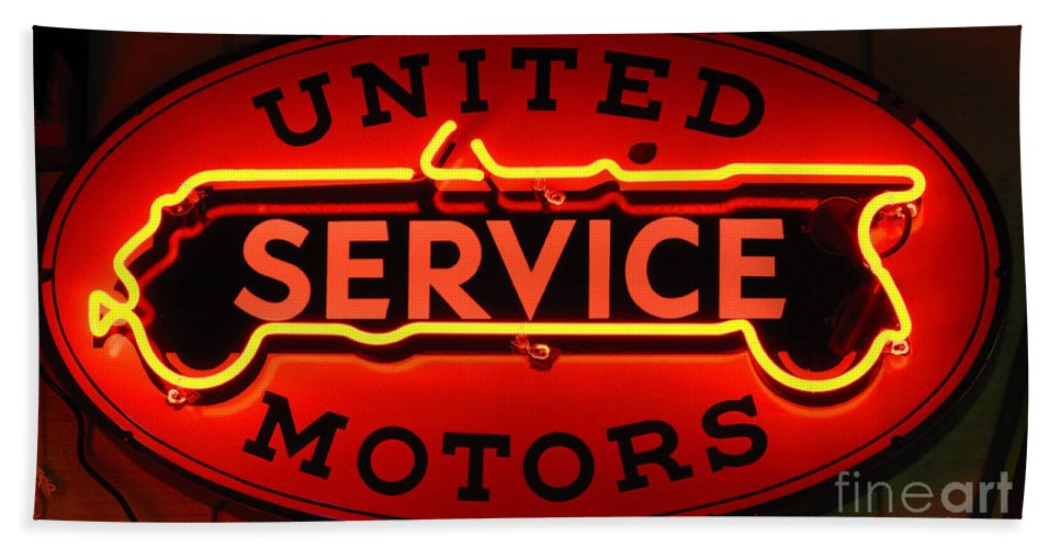 United Motors Service Hand Towel featuring the photograph United Motors Service Neon Sign by Bob Christopher