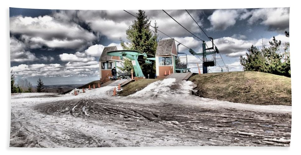 Skiing Hand Towel featuring the photograph Unseasonably Warm by Adam Jewell