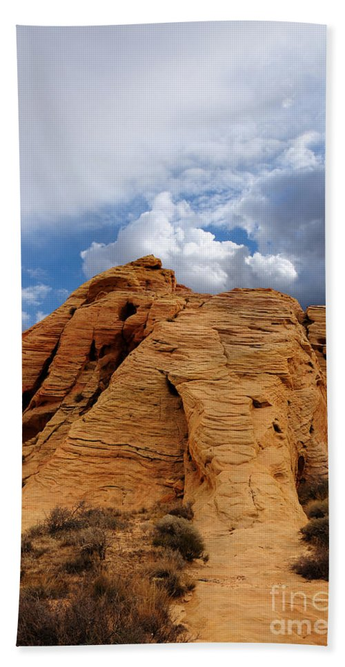 Valley Of Fire Bath Sheet featuring the photograph Up To The Clouds by Vivian Christopher