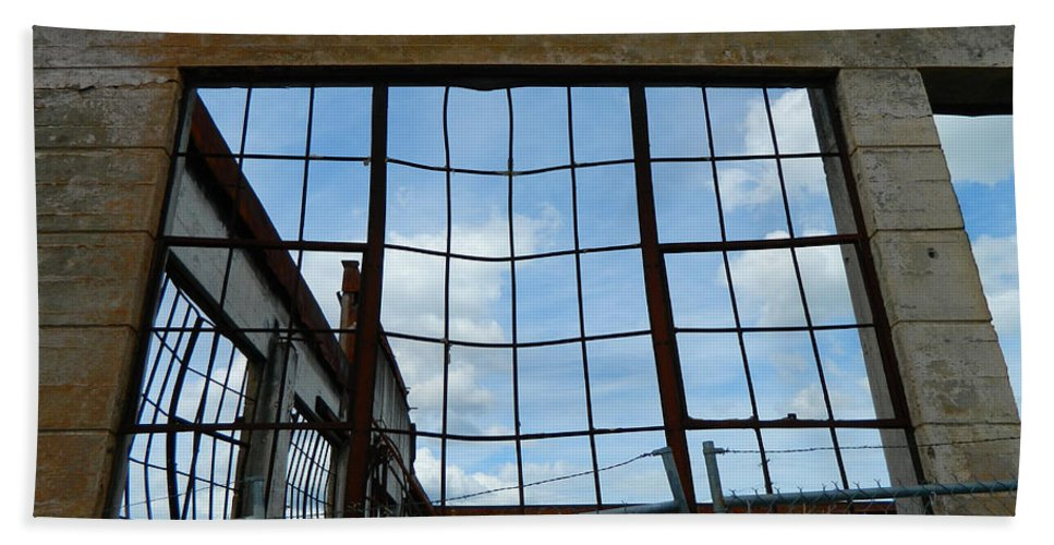 Urban Bath Sheet featuring the photograph Urban Decay - The Sky Is The Roof by Kathleen Grace