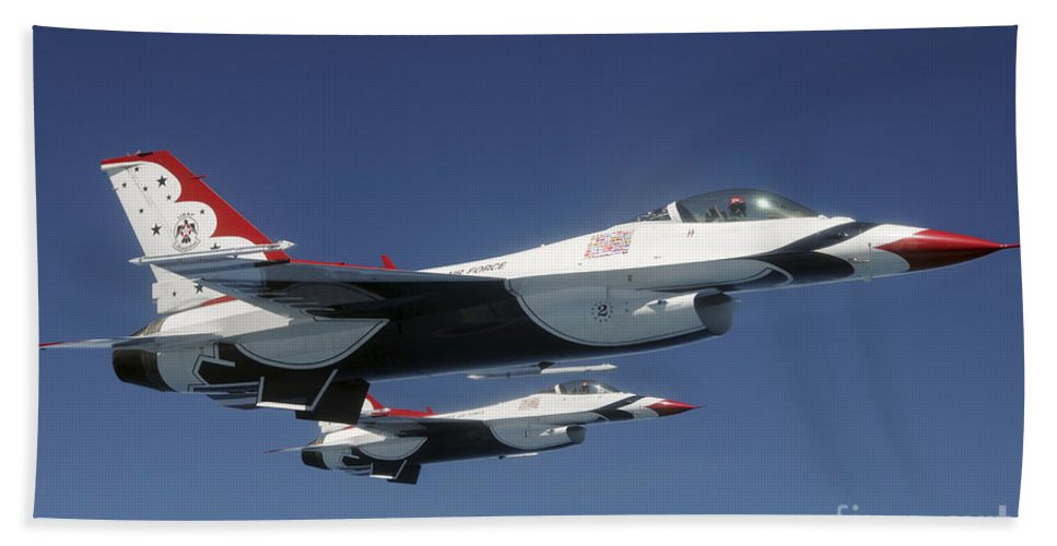 Thunderbirds Hand Towel featuring the photograph U.s. Air Force F-16 Thunderbirds by Stocktrek Images