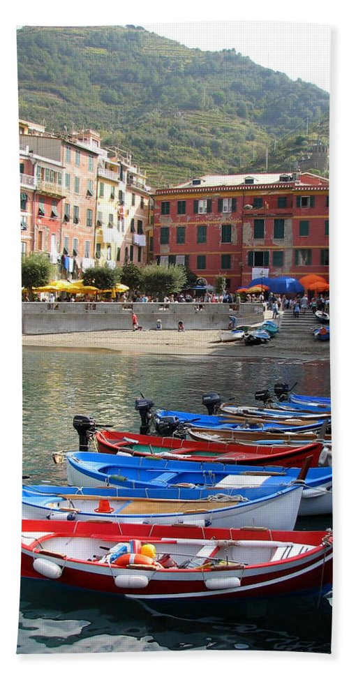 Vernazza Bath Sheet featuring the photograph Vernazza's Harbor by Carla Parris