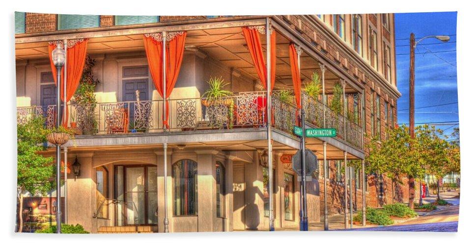 Street Corner Bath Towel featuring the photograph Vicksburg Street Corner by Barry Jones