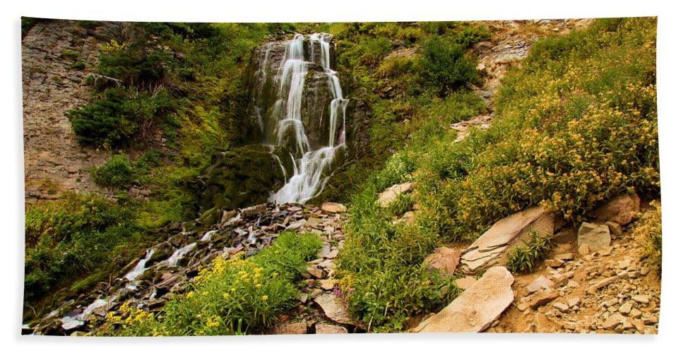 Vidae Falls Hand Towel featuring the photograph Vidae Falls Landscape by Adam Jewell