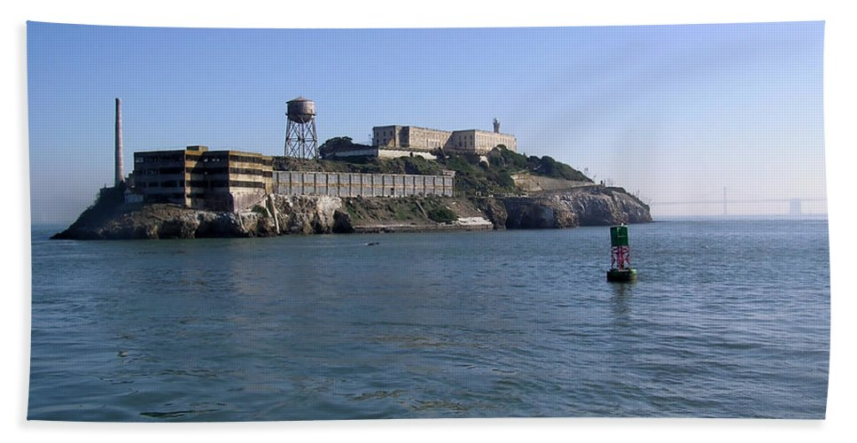 San Francisco Bath Sheet featuring the photograph View Of Alcatraz From A Boat That Is Leaving The Island by Ashish Agarwal