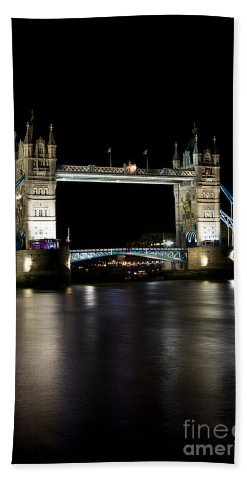 Thames Bath Sheet featuring the photograph View Of The River Thames And Tower Bridge At Night by David Pyatt