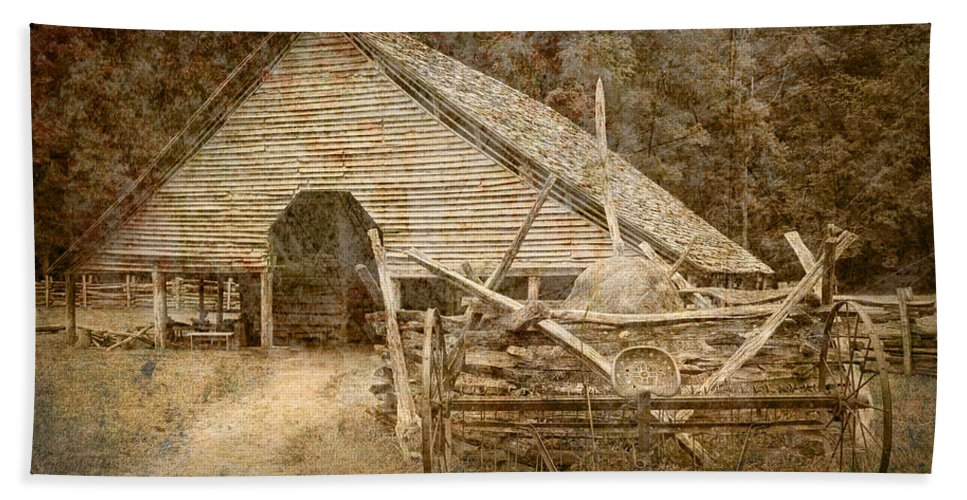 Art Bath Sheet featuring the photograph Vintage Looking Old Barn In The Great Smokey Mountains by Randall Nyhof