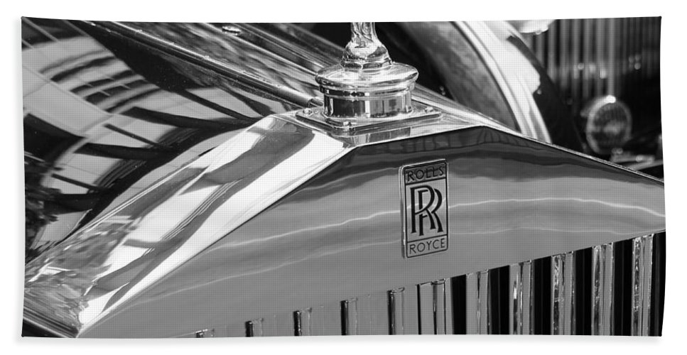 Rolls Hand Towel featuring the photograph Vintage Rolls Royce 2 by Andrew Fare