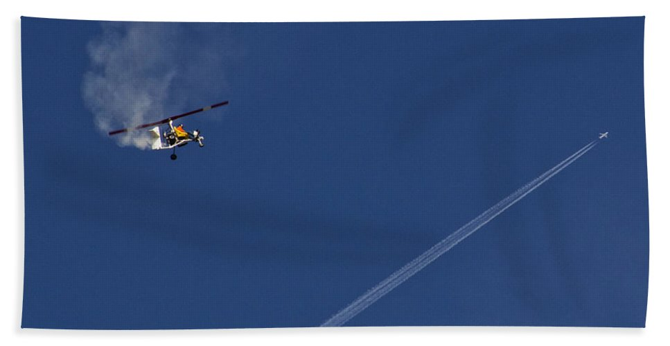 Gyrocopter Bath Sheet featuring the photograph Wait For Me by Roger Wedegis
