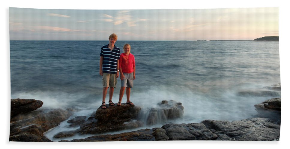Landscape Hand Towel featuring the photograph Waves Splash Children by Ted Kinsman