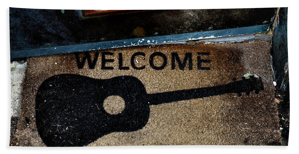 Welcome Bath Sheet featuring the photograph Welcome by Bill Cannon