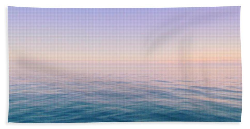 Sea Hand Towel featuring the photograph Infinite Horizon by Lori Pessin Lafargue
