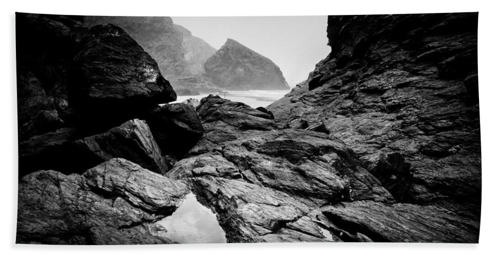 Kynance Cove Hand Towel featuring the photograph Wild Coast by Dorit Fuhg