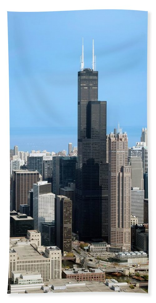 Cities Bath Sheet featuring the photograph Willis Sears Tower 01 Chicago by Thomas Woolworth