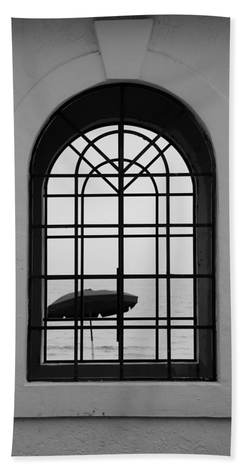 Windows Bath Sheet featuring the photograph Windows On The Beach In Black And White by Rob Hans