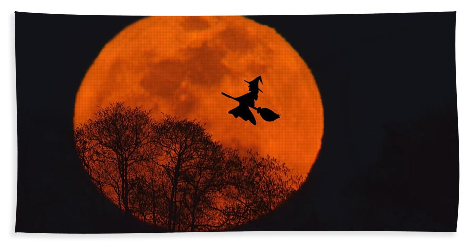 Halloween Hand Towel featuring the photograph Witchy Moon by William Jobes