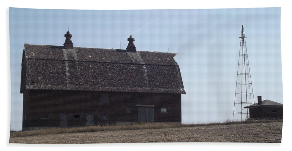 Barn Hand Towel featuring the photograph Withstanding Time by Bonfire Photography